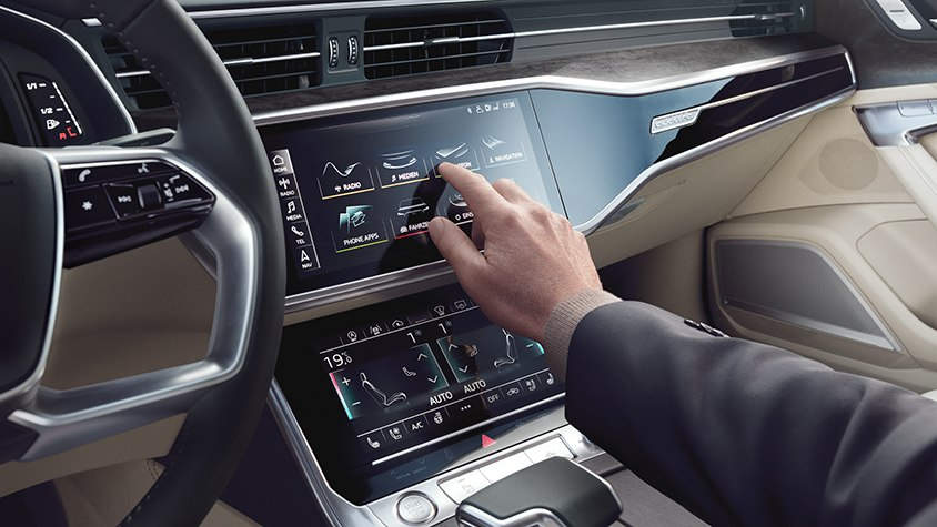 Audi A6 Avant Multimedia Display Hand Bedienung