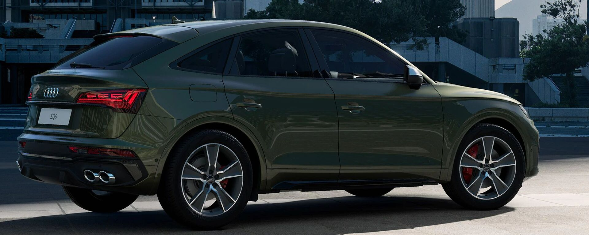 Audi SQ5 Sportback 2021 in Distriktgrün Metallic